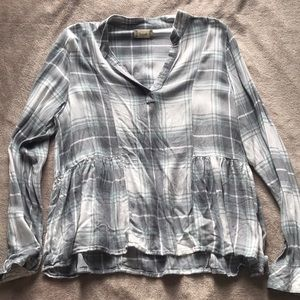 Tops - pleated long sleeve v neck flannel